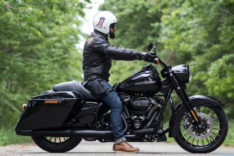 harley davidson road king macadam moto montpellier. Black Bedroom Furniture Sets. Home Design Ideas