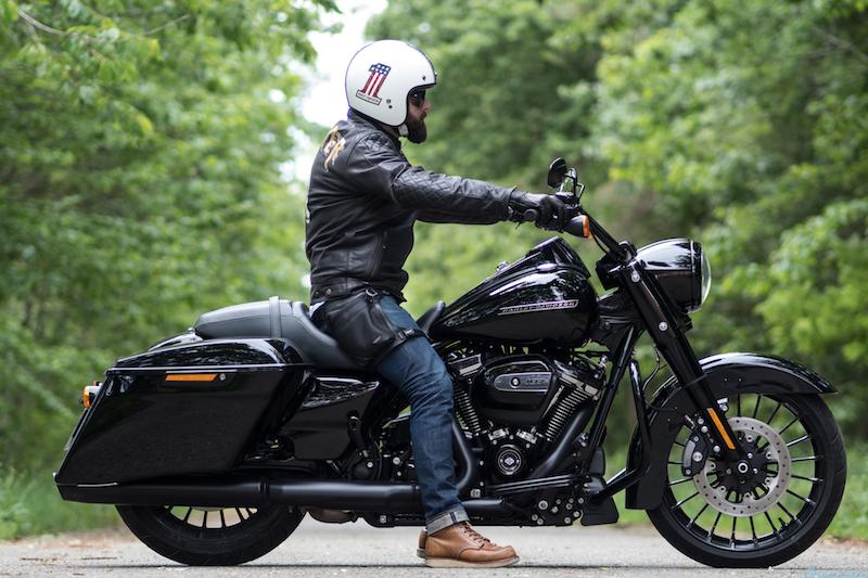 Harley Davidson Street Glide Vs Road King